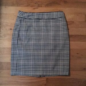 Banana Republic Plaid Pencil Skirt